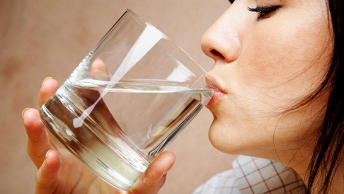 why-water-is-the-best-kept-beauty-secret-e1509576745527
