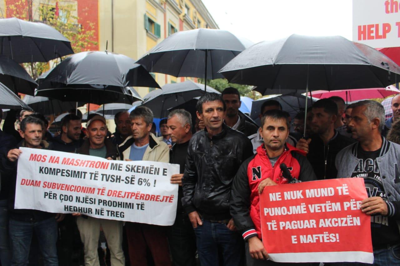 Fermeret ne proteste para Ministrise se Bujqesise (4)