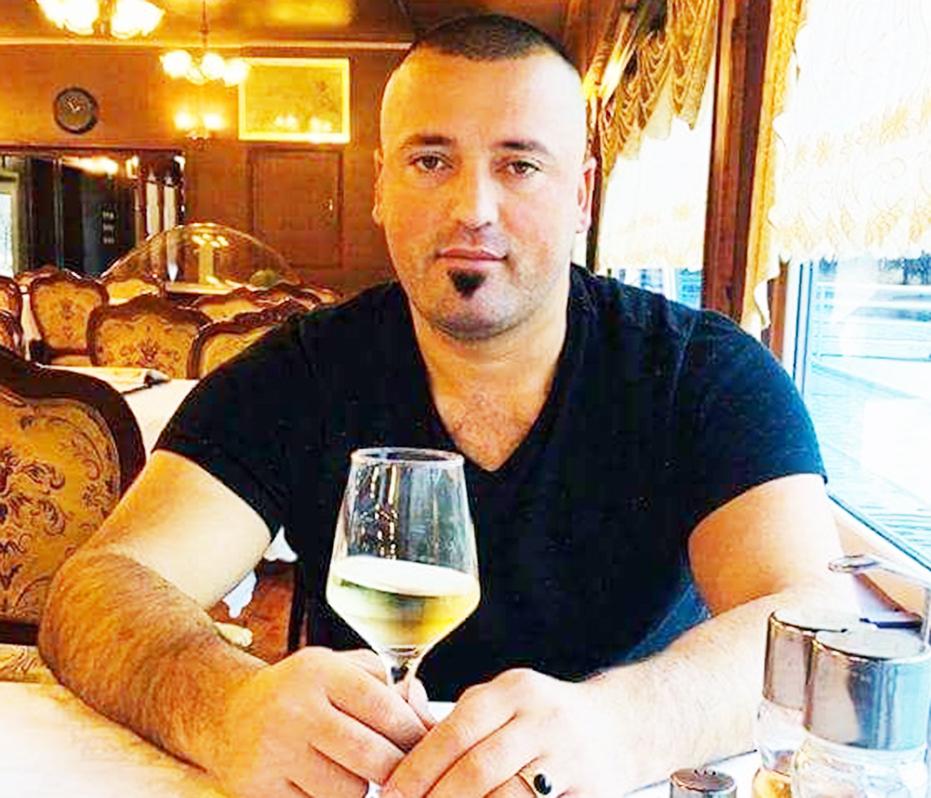 Elsi Kosiqi, vellai i vrare vjet