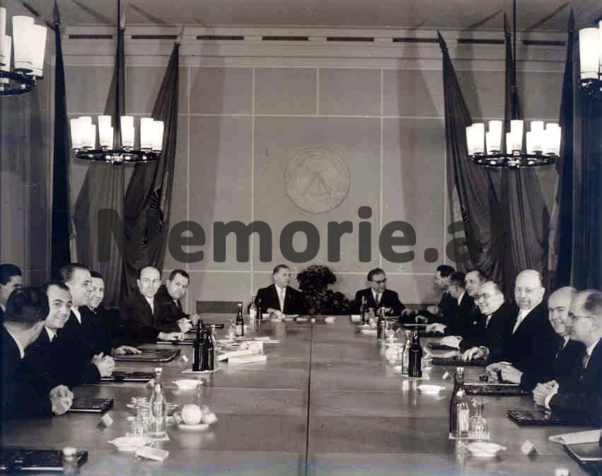 enver-mehmet-bisedime-zyrtare-janar-1959