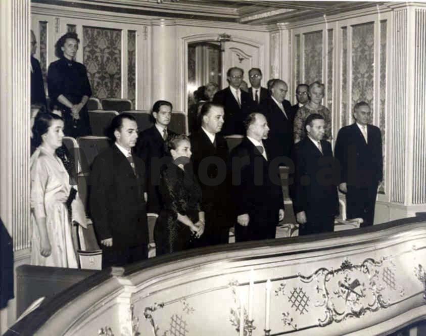 enver-mehmet-nexhmije-fiqr1et-1959-RDGJ
