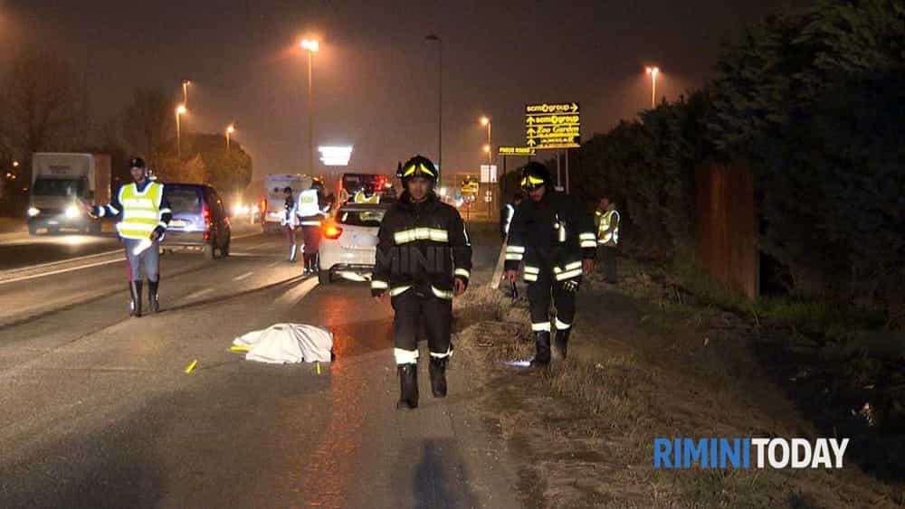 incidente mortale notte pedone investito ss9 via emilia 15 gennaio soccorsi foto traffico - 0215-2