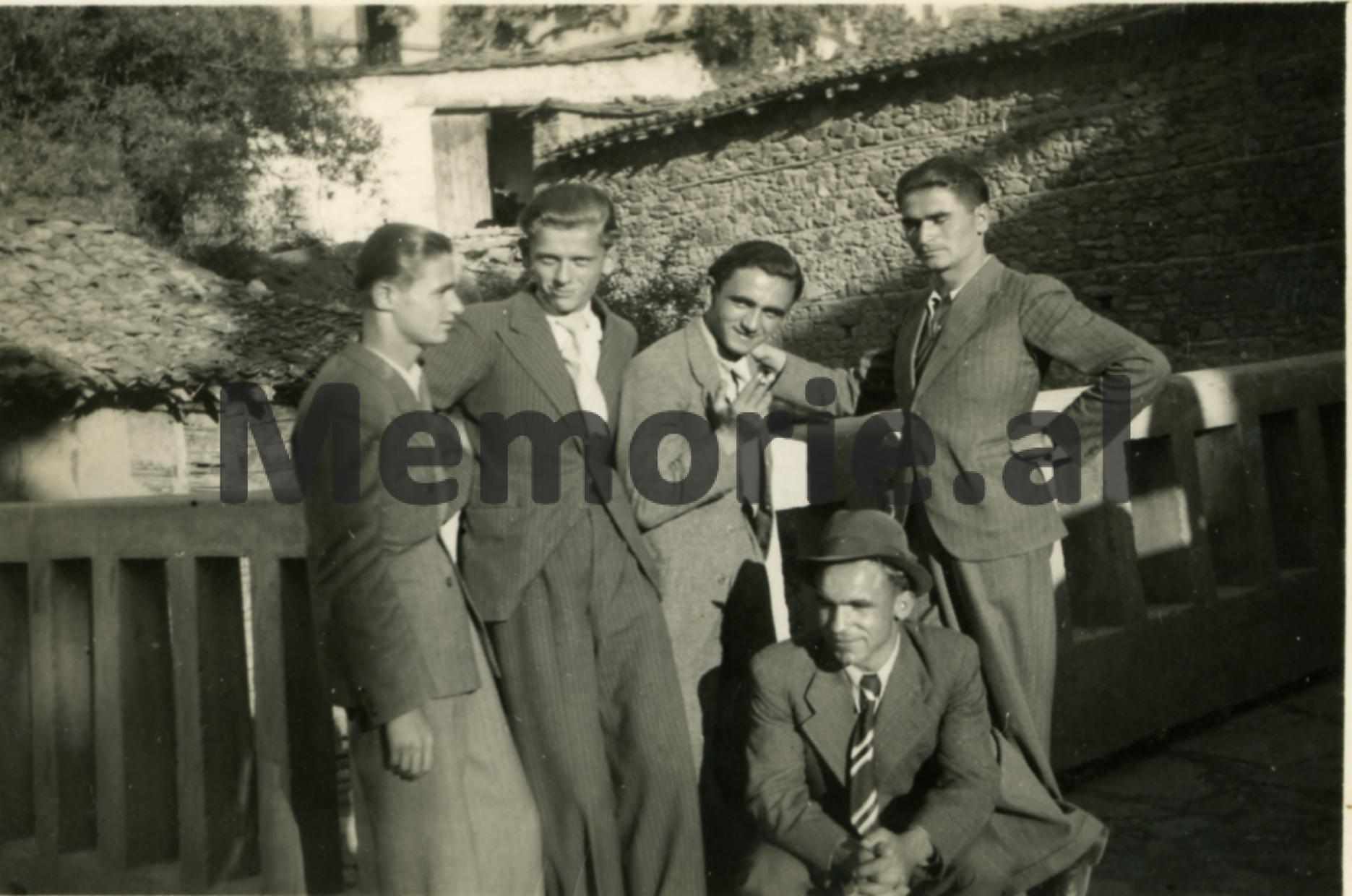Boboshtice-14.09.1938.-Nga-e-mj.-ne-te-dj.-Stavri-Xharo-Sotir-Manushi-T.M.-Sotir-Gramatiku.-Ulur-Milo-Qirko.