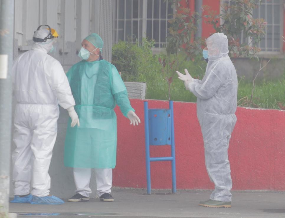 Infektivi-Koronavirusi-ambulanca3