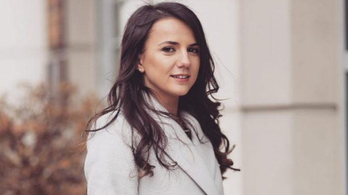 Rudina-Hajdari-deklaratë-një-ditë-pasi-u-shpall-kryetare-e-grupit-parlamentar-të-PD-së-përmes-Facebook-ut