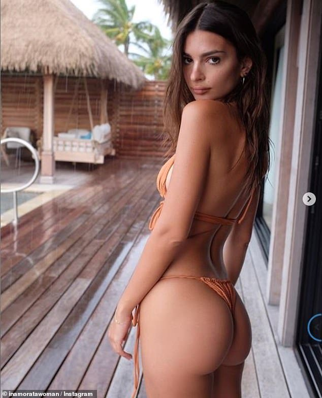 emily-ratajkowski-gets-cheeky-in-inamorata-bikini-after-sharing-throwback-at-age-14