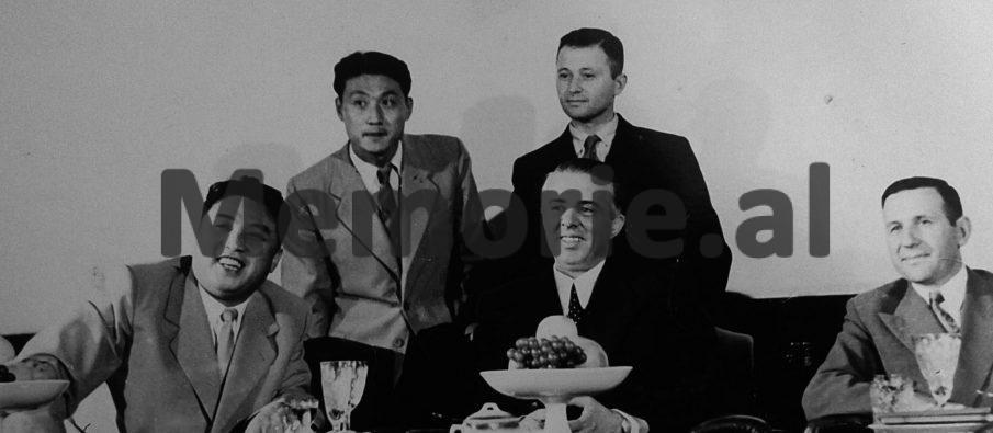 Enveri-Mehmeti-dhe-Kimi-ne-vitin-1956.