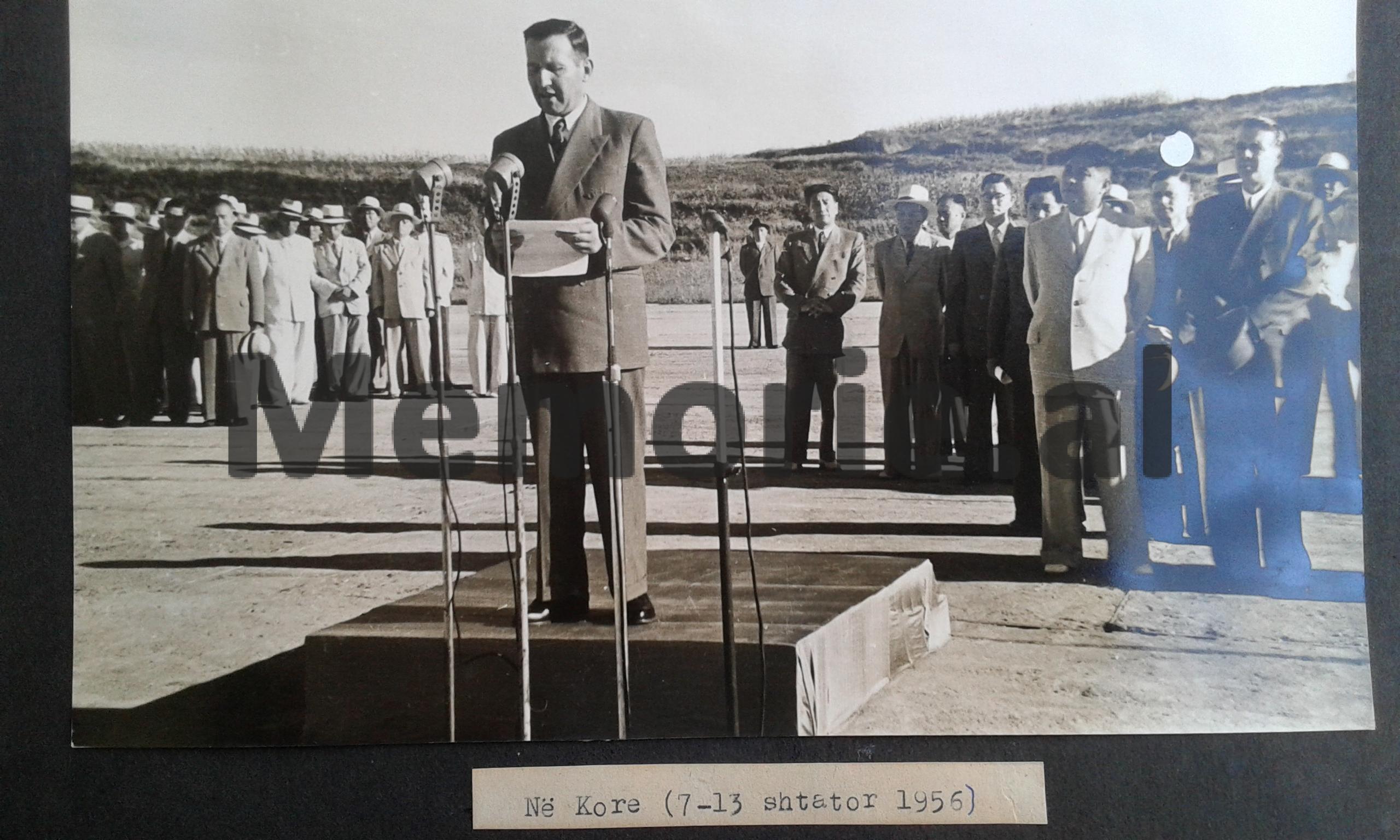 Enveri-Mehmeti-dhe-Kimi.-1956