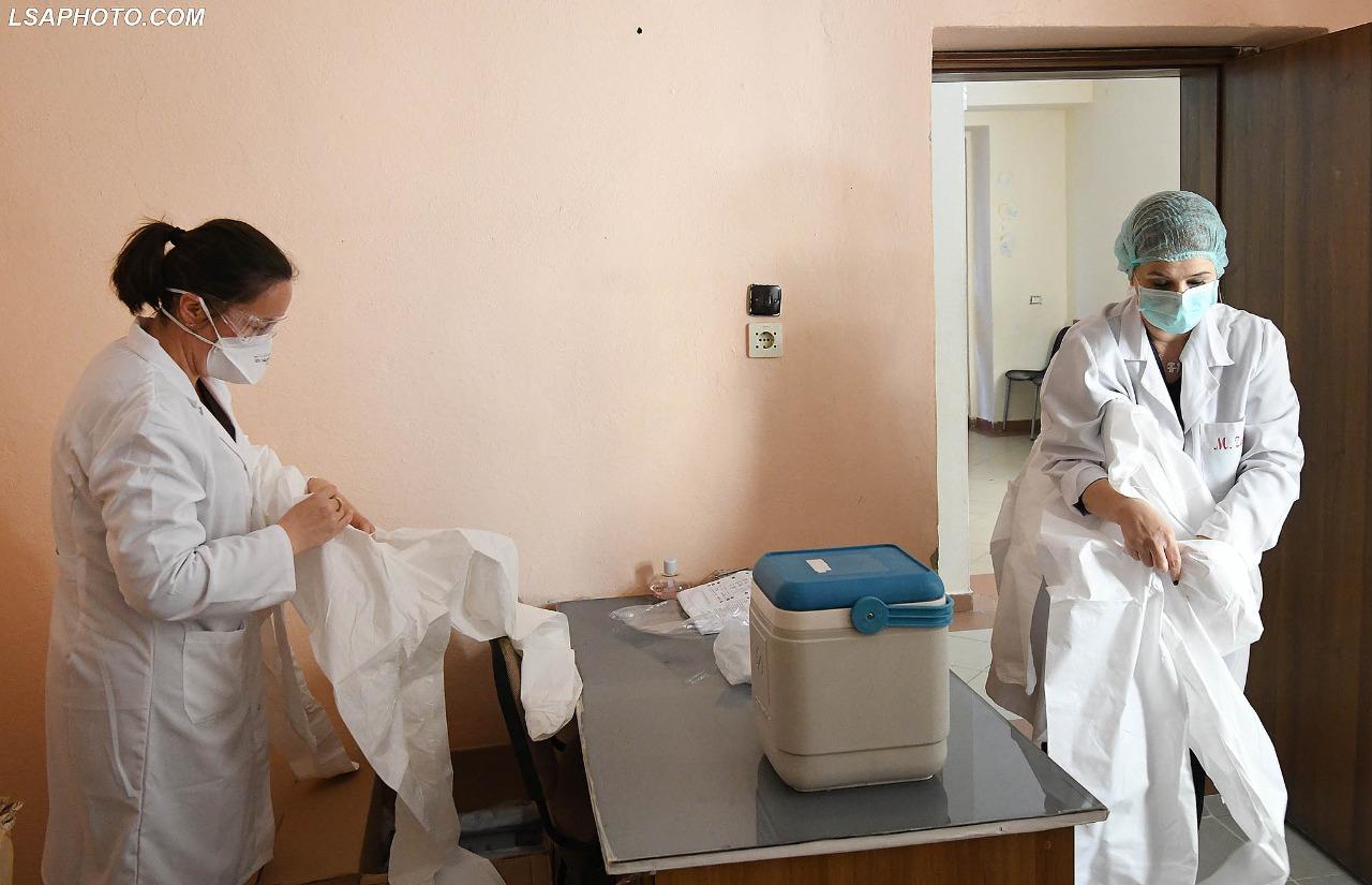 Infektivi-mjeket-tamponet-analiza-koronavirusi-terreni-kontrollet-testet (26)