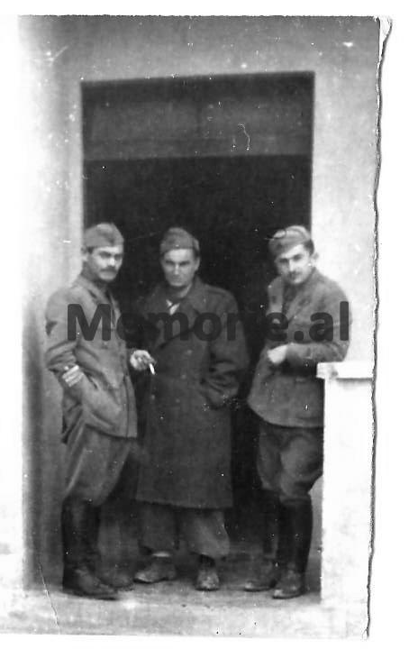 Daliu-Gogo-Hysniu-Tirane-1945 - Copy