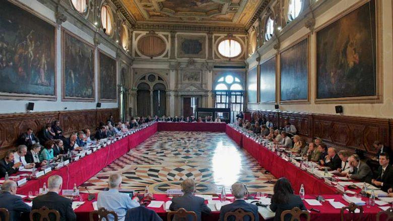 Komisioni-i-Venecias-foto-arkiv-780x439