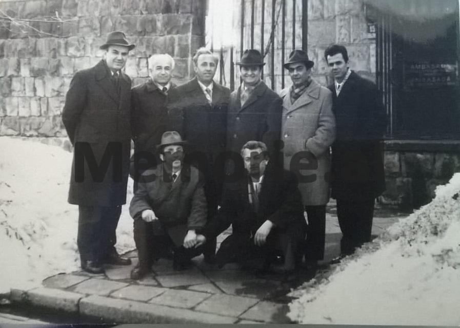 Leonard-Zisi-me-stafin-e-ambasades-shqiptare-ne-Poloni3