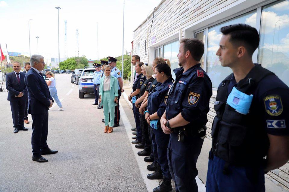 lleshaj policia1