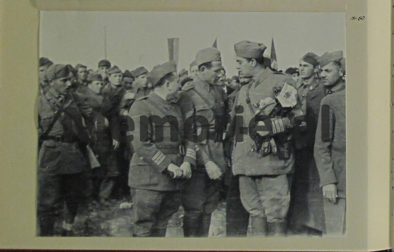 partizanet-hyjne-ne-tirana-e-vjeter-enver-hoxha-mehmet-shehu-5