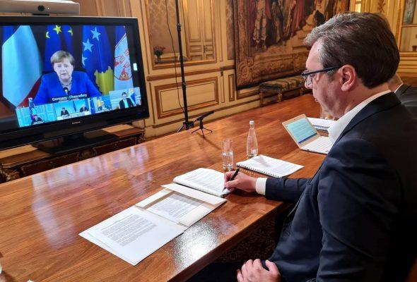 Mbyllen pa rezultate bisedimet Kosovë Serbi në Paris