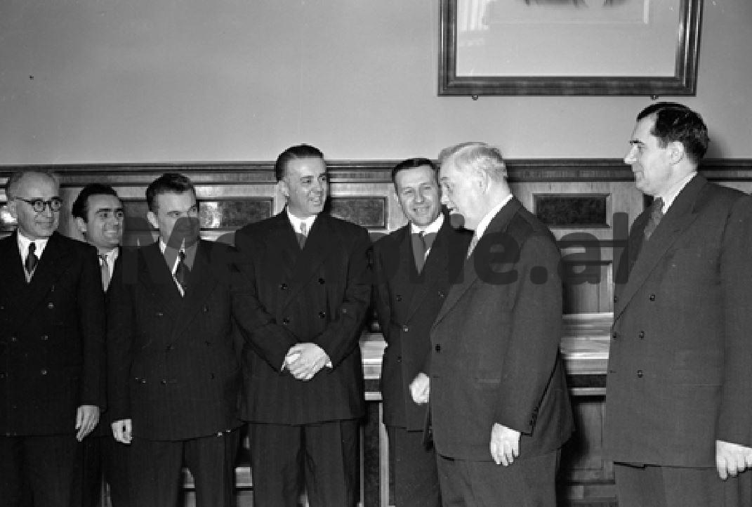 Delegacioni-shqiptar-ne-Bashkimin-Sovjetik.-1958-1