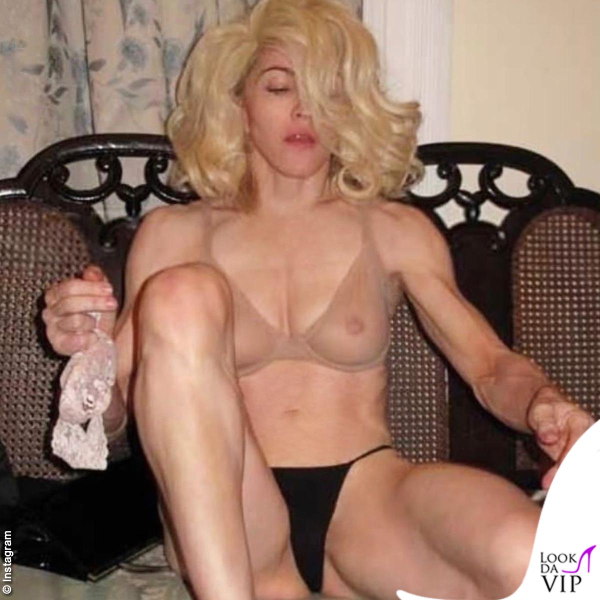 Madonna-reggiseno-trasparente