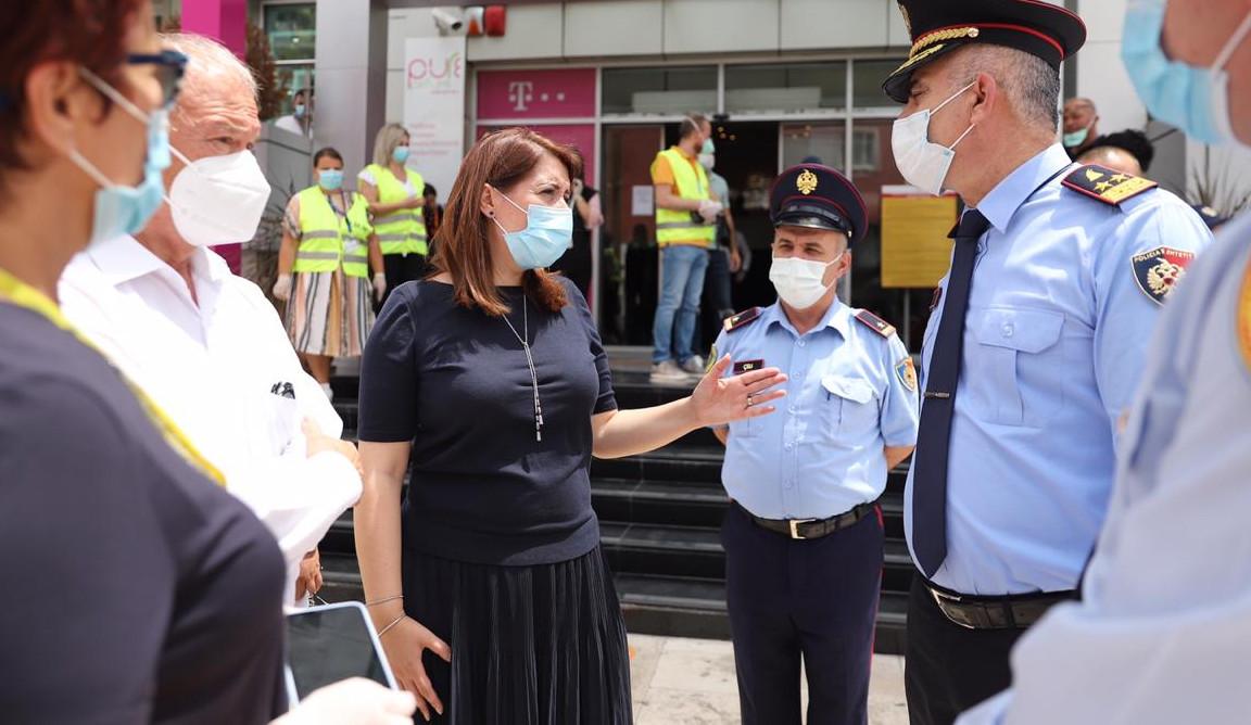 Gjobë, mbyllje biznesi dhe ndjekje penale- Policia paralajmëron sipërmarrësit që shkelin masat Anti-Covid