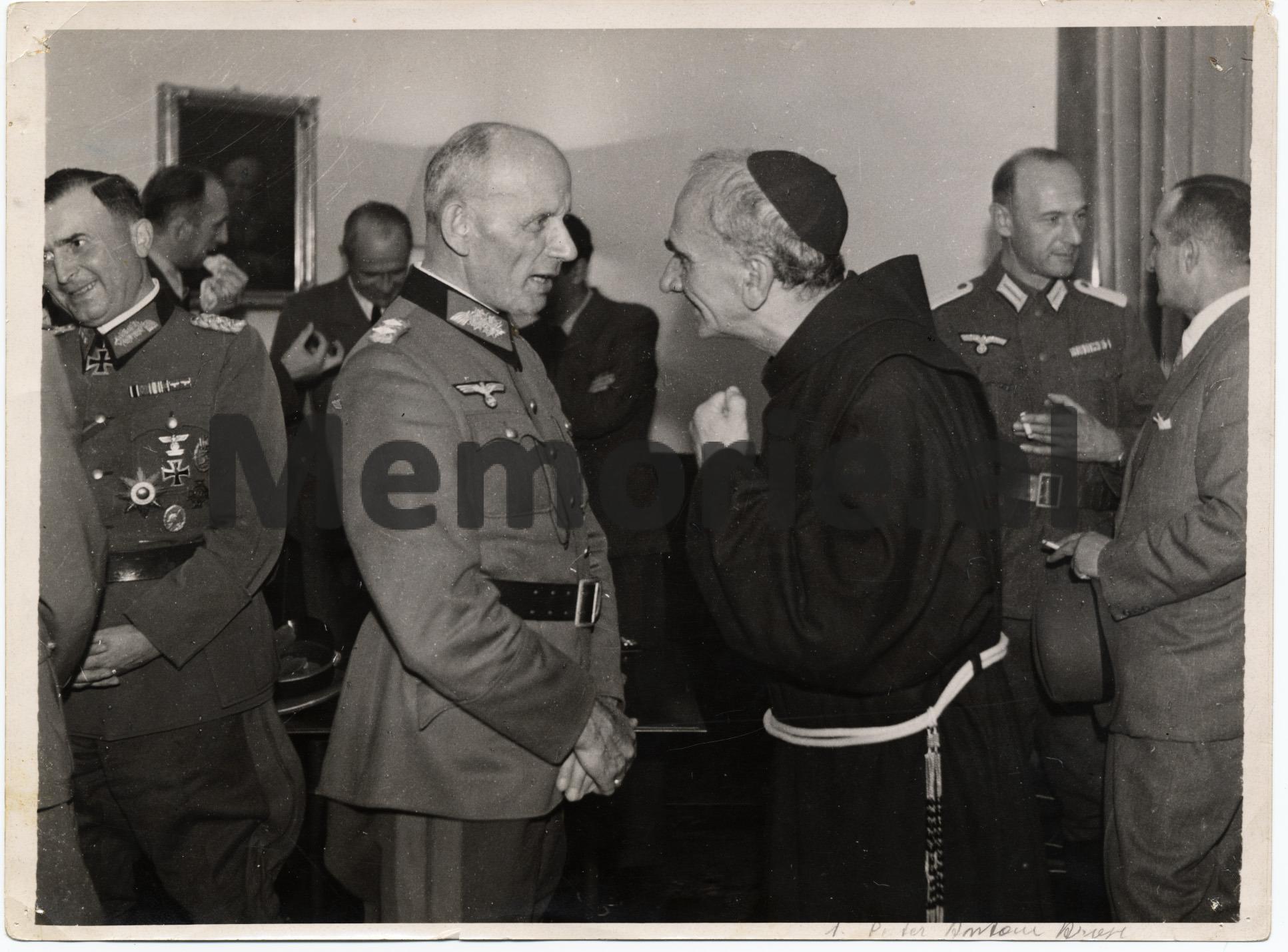 Pater-Anton-Harapi-me-gjermanet