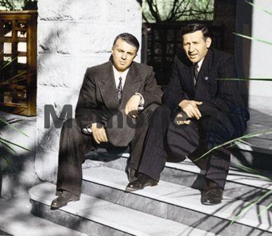 Enver-Hoxha-dhe-Mehmet-Shehu-kur-ky-i-fundit-ishte-Minister-i-Brendshem-1953
