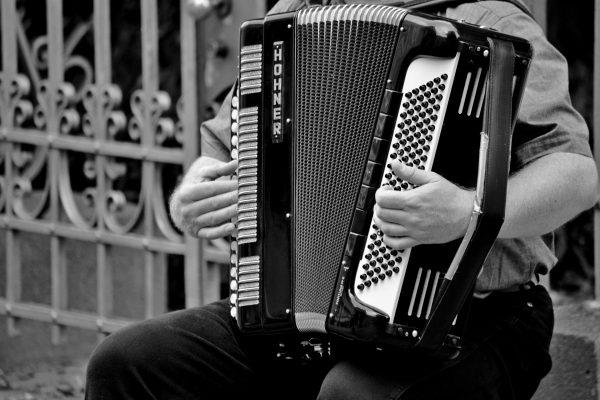accordion-1466482_1920-600x400