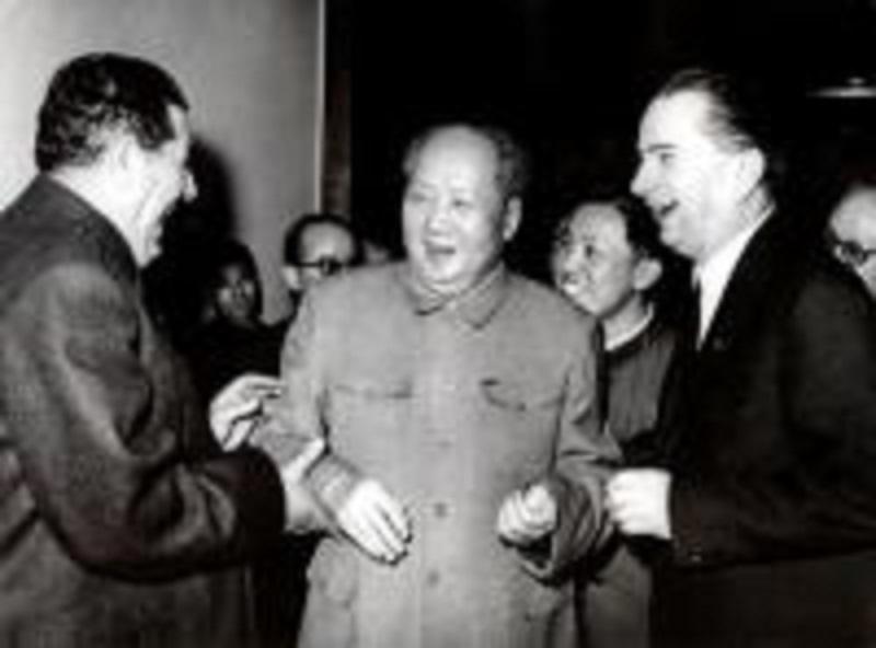 Mao Ce Duni me Hysni Kapon dhe Beqir Ballukun