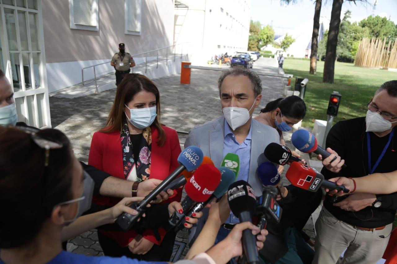Manastirliu takim me mjeket-protesta (5)
