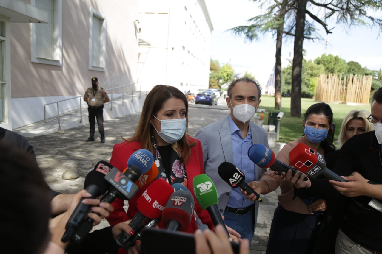 Manastirliu takim me mjeket-protesta (7)