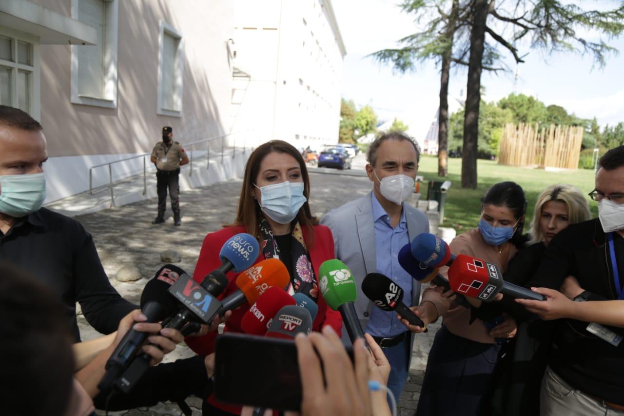 Manastirliu takim me mjeket-protesta (9)