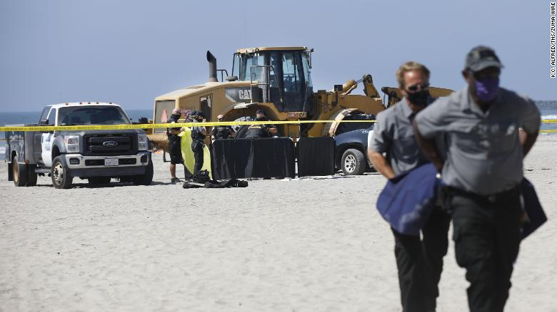 September 28, 2020, San Diego, CA, USA: Police cordoned off a stretch of Oceanside Harbor beach, where a woman was killed Monday morning when a tractor ran over her. (Credit Image: ? TNS via ZUMA Wire)