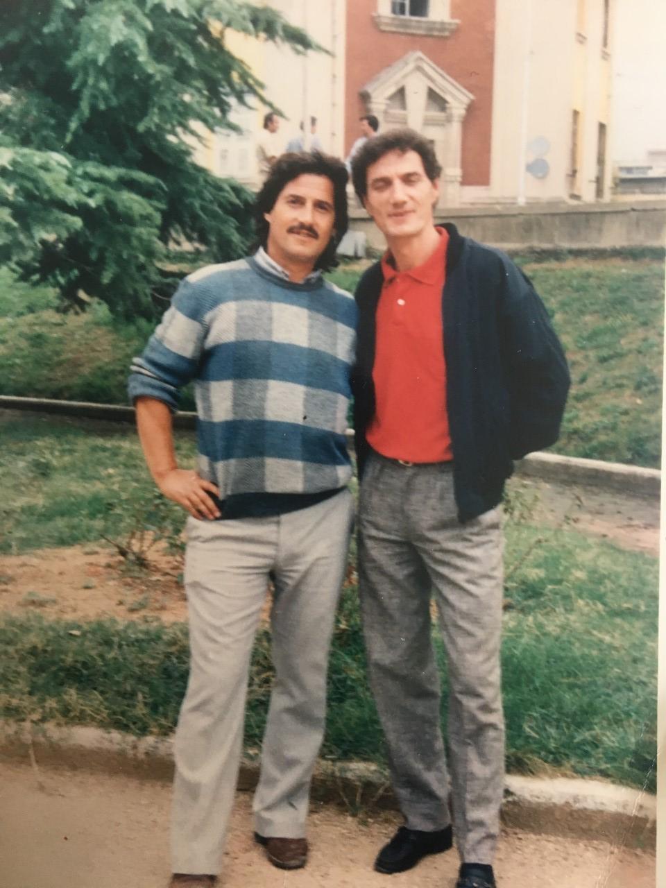 Muç Korça me vëllain Afrim para se të shkojë të kryejë shërbimin ushtarak