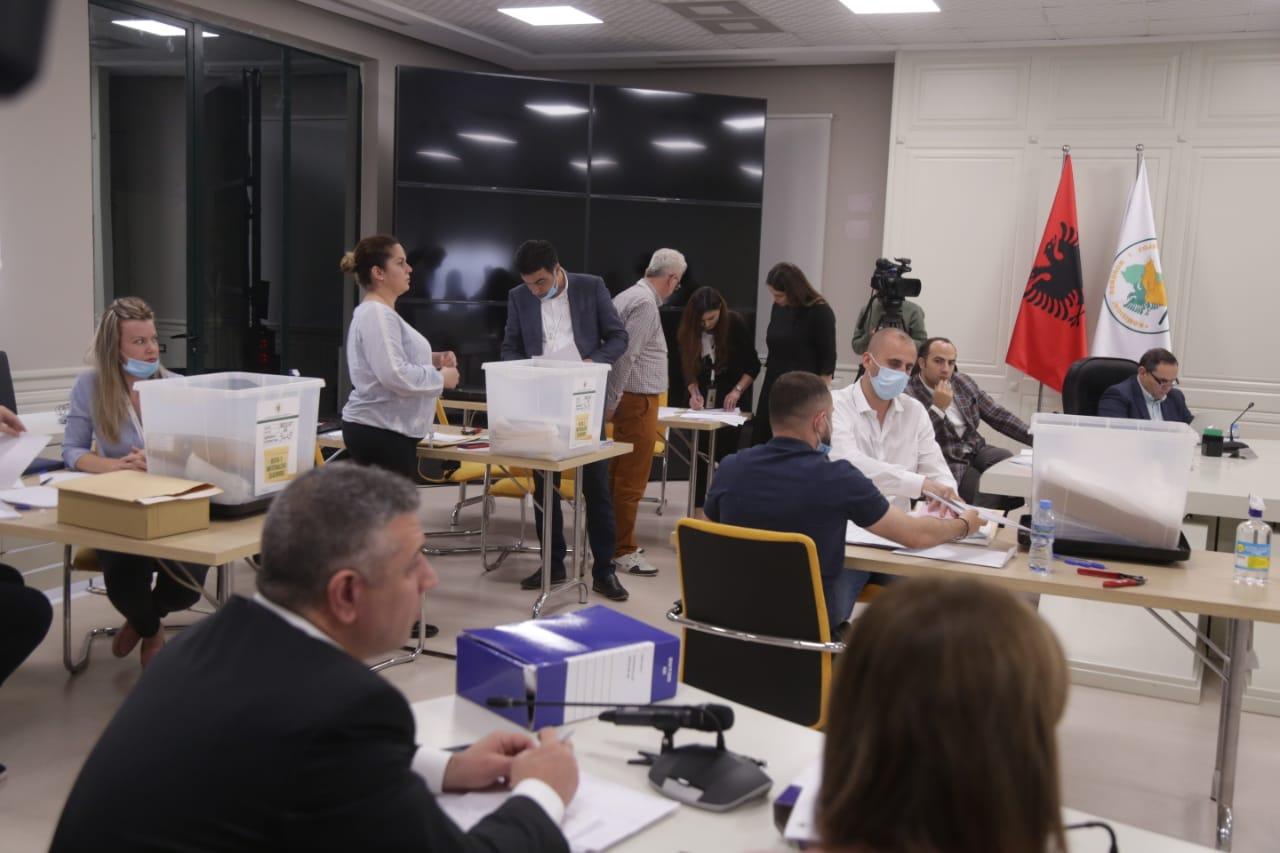 KAS-Hapja-Kutive-QV-Rinumerimi-Ankimimi-Votat_KQZ-zgjedhjet-25prilli (5)