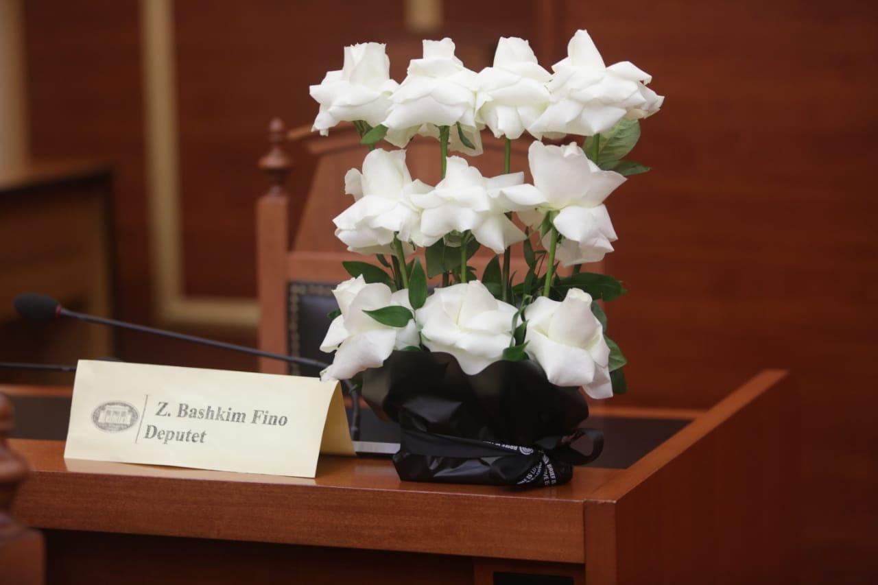 deputetet-1-minute-heshtje-bashkim-fino-parlament (5)