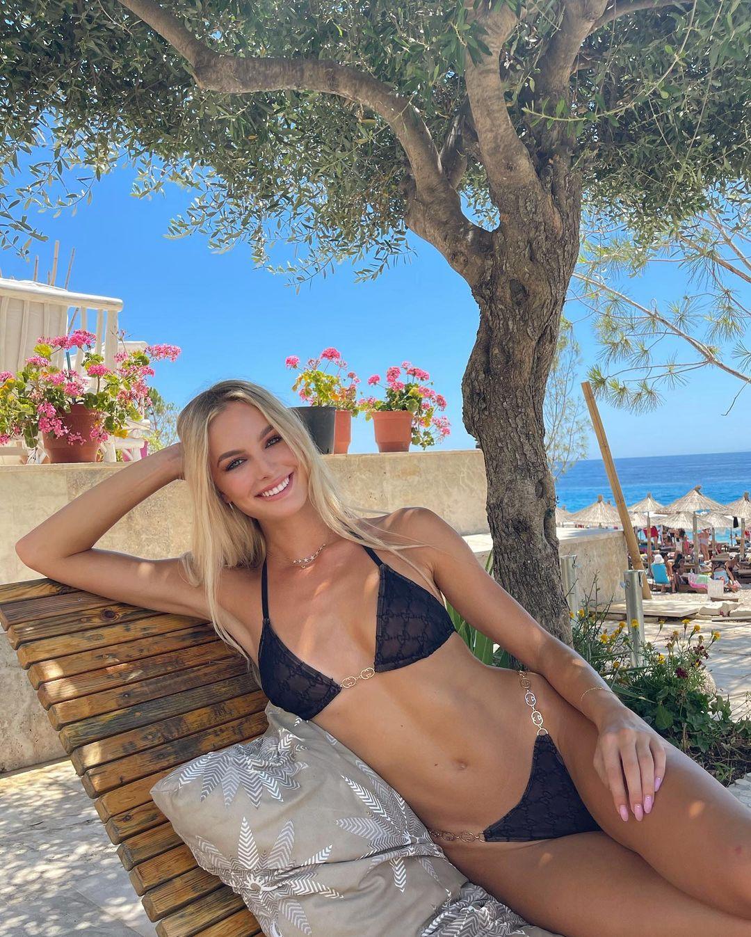 Cindy Marina genar topalli (20)