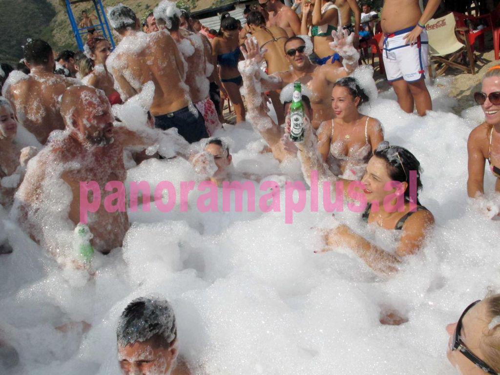 ylli manjani monika kryemadhi feste shkuma party birra korca3