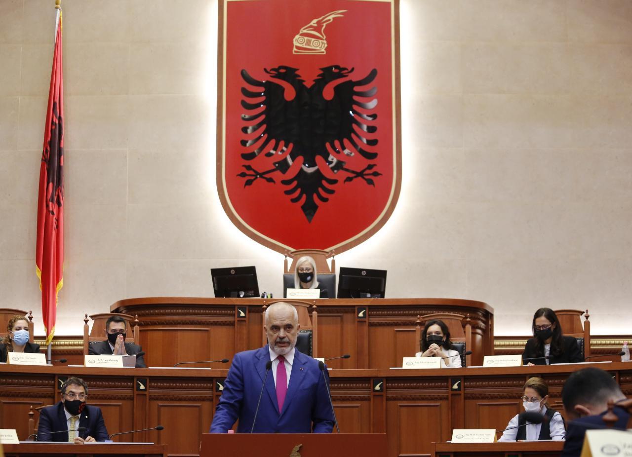 Edi Rama-parlament-Prezantimi-Programi-Qeveria-111