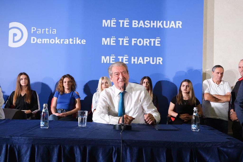 Sali Berisha reagimi per Bashen