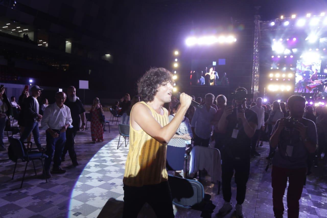 ermal meta-koncert-air albania (1)
